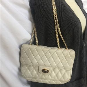 NEIMAN MARCUS quilted leather chain purse bag